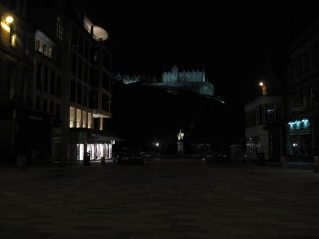 エジンバラ城の幻想的な夜景