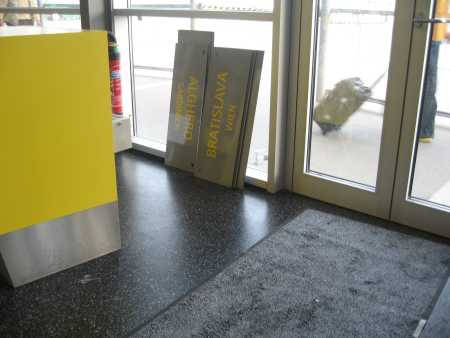 Ryanair専用「アナログ」表示